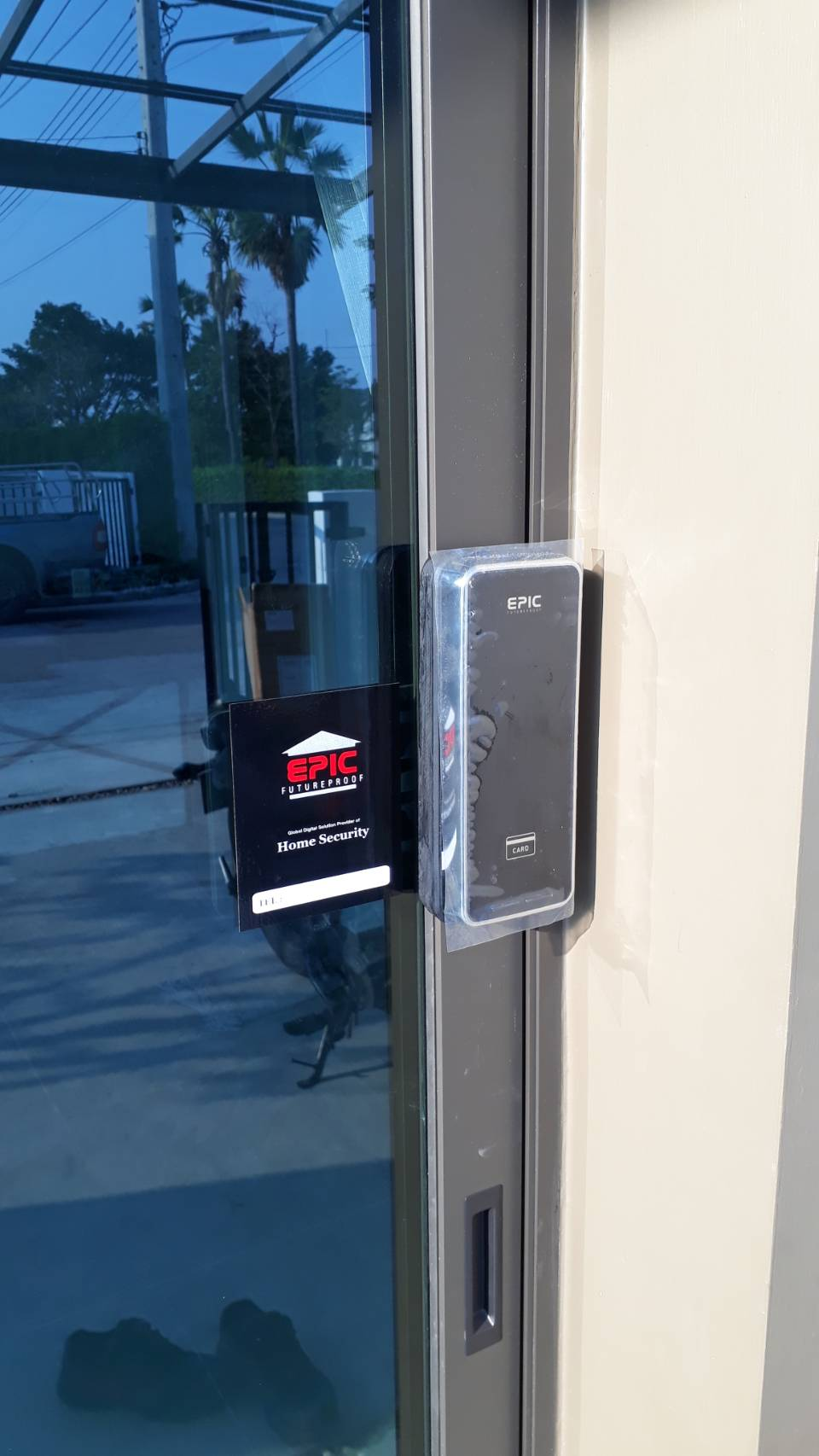 Digital door lock สำหรับประตูบานเลื่อนแบบล็อคริม ล็อคด้านข้าง ปิดชนด้านข้าง กรอบ อลูมิเนียม