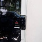 Digital door lock สำหรับประตูบานเลื่อนแบบบานปิดด้านข้าง บานอลูมิเนียม